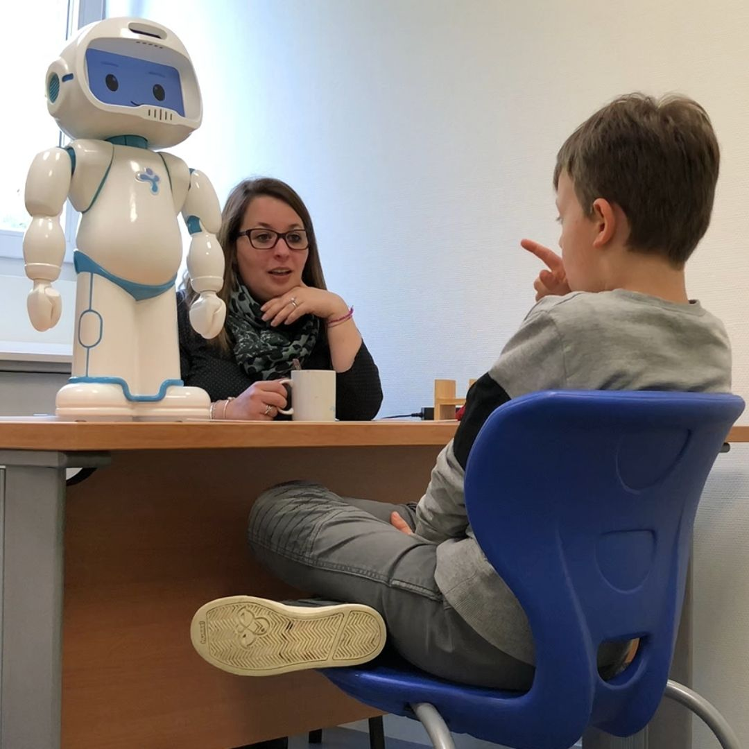 robot improving joint attention in children with autism