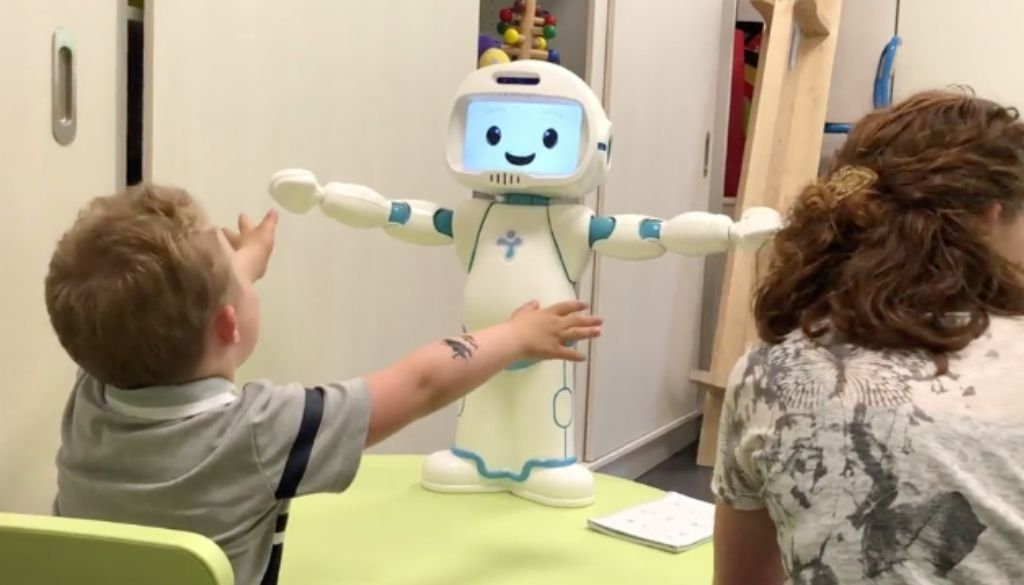 using engaging reinforcement hwen teaching greeting to children with autism
